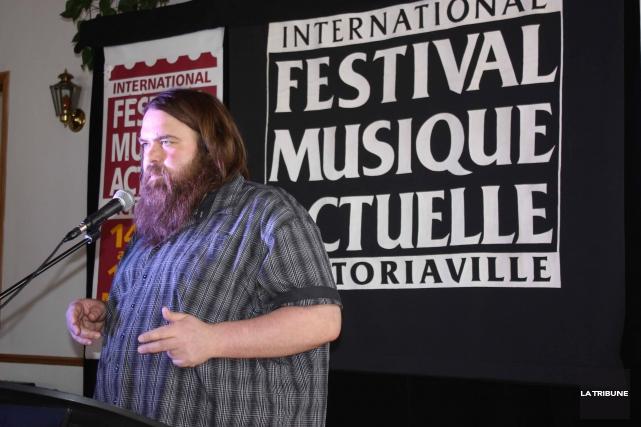 Le commissaire aux installations sonore du FIMAV, Érick... (La Tribune, Yanick Poisson)