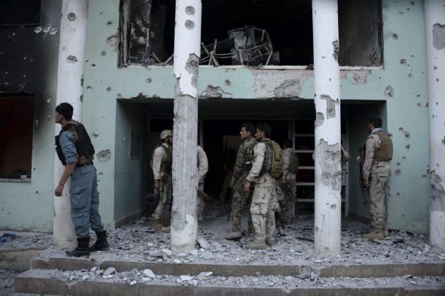 Les assaillants ont lancé des grenades sur le... (PHOTO FARSHAD USYAN, AFP)