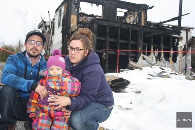 Une maison incendiée et une assurance habitation qui... (La Tribune, Jean-François Gagnon)
