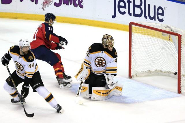 Jonathan Huberdeau a dénoué l'impasse en début de troisième tiers et les... (Photo USA Today Sports)