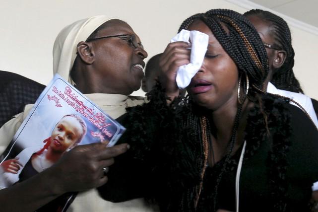 Le Kenya a commencé vendredi à inhumer les... (PHOTO THOMAS MUKOYA, REUTERS)