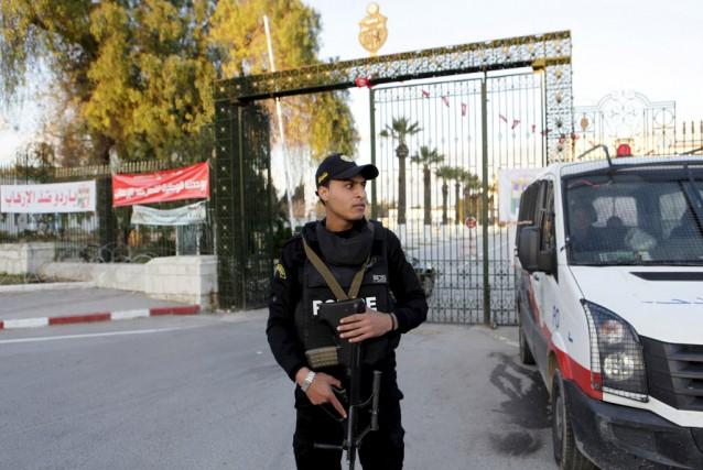 Les mesures consistent à renforcer la sécurité dans... (Photo Anis Mili, Reuters)