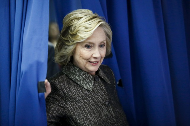 Hillary Clinton pourrait se lancer dans la course... (PHOTO EDUARDO MUNOZ, ARCHIVES REUTERS)