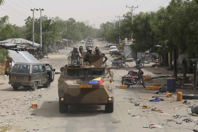 Combattre militairement les mouvements djihadistes est une nécessité... (Photo Emmanuel Braun, Reuters)