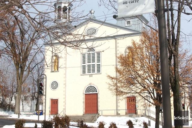 L'actuelle église Saint-Charles-Borromée, qui surplombe le Trait-Carré, a... (Photothèque Le Soleil)