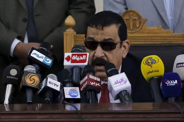 Le juge Mohamed Nagui Chehata, qui a déjà... (PHOTO AMR ABDALLAH DALSH, REUTERS)