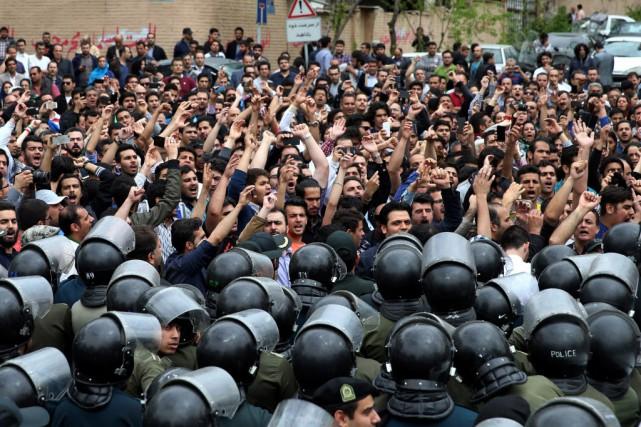 La représentation saoudienne, située dans un quartier du... (Photo Ebrahim Noroozi, AP)