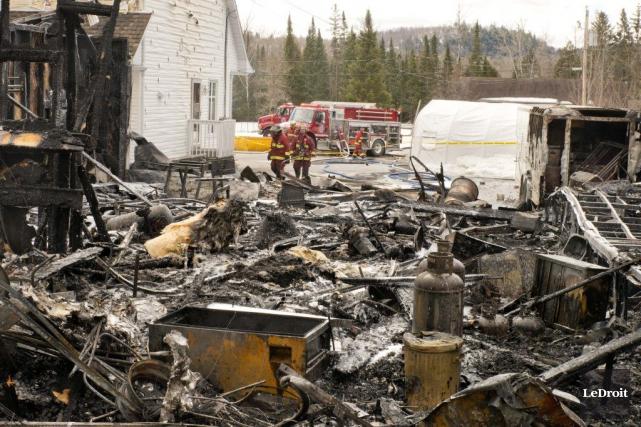 Les flammes ont complètement détruit un entrepôt situé... (Martin Roy, LeDroit)