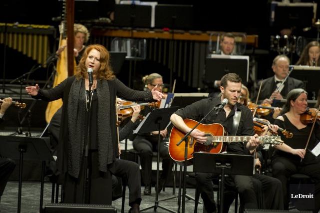 Laurence Jalbert et l'Orchestre symphonique de Gatineau... (Martin Roy, LeDroit)