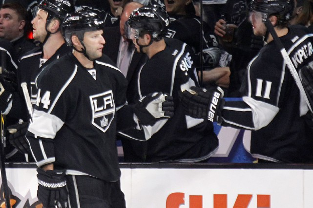 Robyn Regehr... (PHOTO ARCHIVES AP)