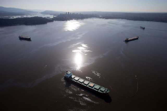 Le lustre huileux encore présent sur l'eau est... (Photo: PC)