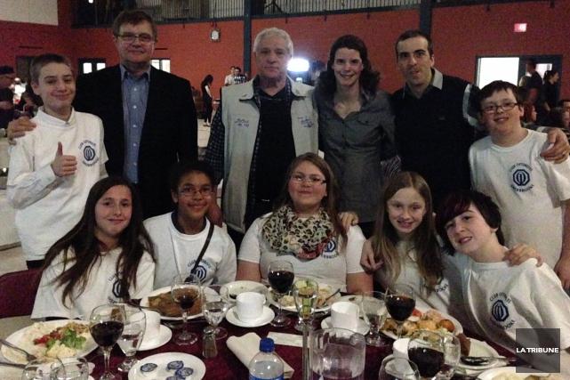 Des jeunes de l'école Larocque, qui participeront à... (La Tribune, Camille Dauphinais-Pelletier)