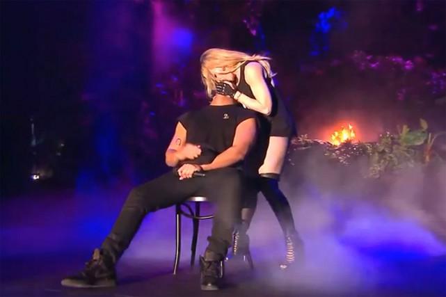La reine de la provocation Madonna a volé dimanche soir un long et langoureux... (Image: tirée de YouTube)