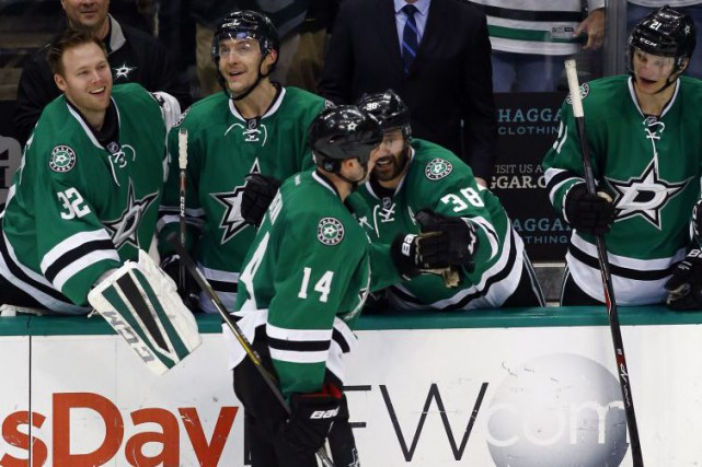 Jamie Benn (14)... (PHOTO MIKE STONE, REUTERS)