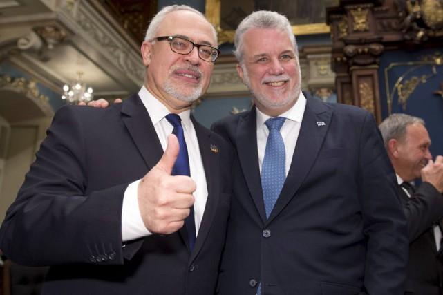 Le ministre des Finances, Carlos Leitao, et le... (Photo d'archives, La Presse Canadienne)