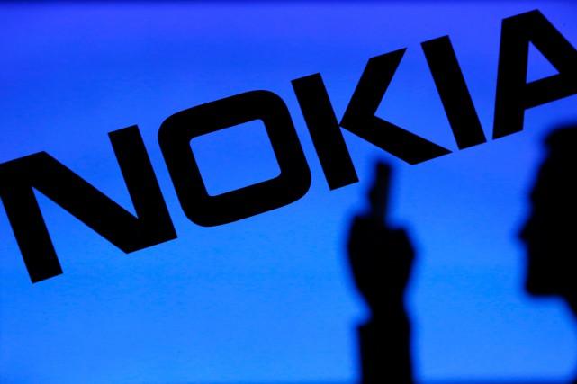 En mettant la main sur cette division, Nokia... (PHOTO DADO RUVIC, ARCHIVES REUTERS)