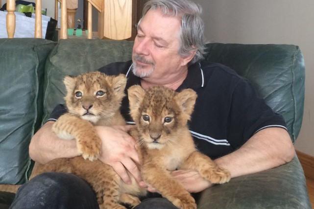 Jean Cardinal et ses lionceaux.... (Photo fournie)