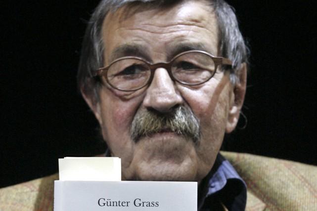 L'écrivain allemand Günter Grass avait intitulé Pelures d'oignon... (Photo: archives AP)