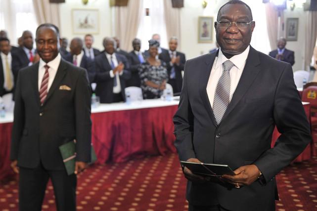 Les ex-présidents Bozizé (à gauche) et Djotodia (à... (PHOTO SIMON MAINA, AFP)