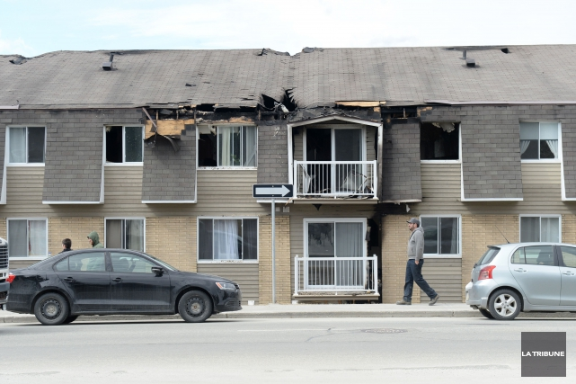Le feu a lourdement endommagé le tout et... (Imacom, Maxime Picard)