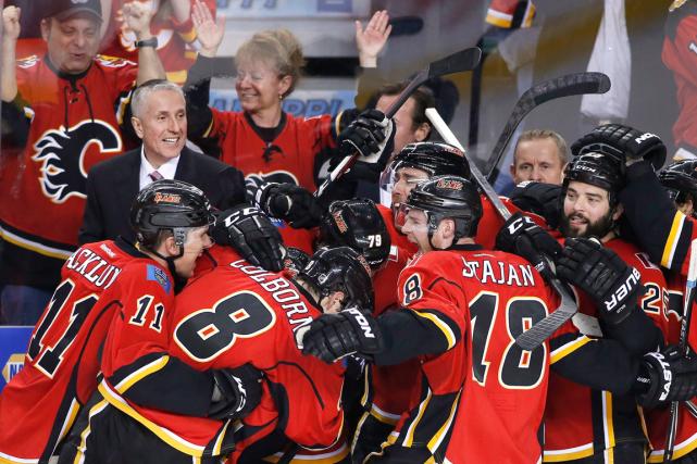 Les Flames de Calgary ont conservé une fiche... (Photo Larry MacDougal, PC)