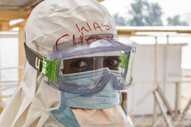Les 6000 personnes vaccinées sont des personnels de... (Photo Michael Duff, archives AP)