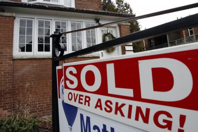 Les prix des maisons ont grimpé en mars... (Photo Mike Cassese, Archives Reuters)