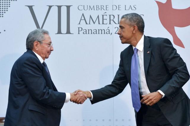 Barack Obama a rencontré son homologue cubain Raul... (Photo: AFP)