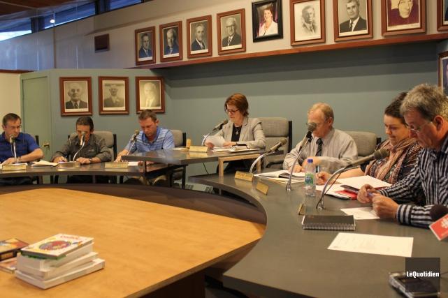 La séance du conseil municipal de Sainte-Monique-de-Honfleur s'est... ((Photo Le Quotidien, Katerine Belley-Murray))