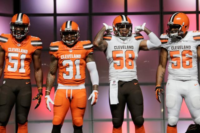 Les Browns de Cleveland ont dévoilé leurs nouveaux... (Photo Tony Dejak, AP)