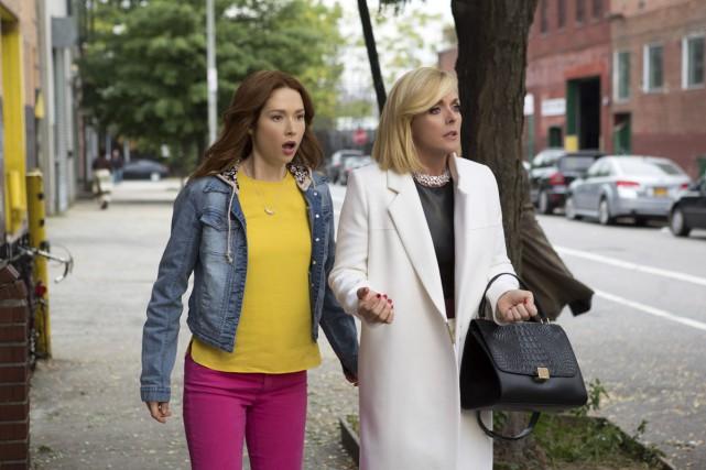 Les personnages de Kimmy (Ellie Kemper) et Jacqueline... (Photo: fournie par Netflix)