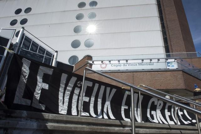 Les étudiants du Cégep du Vieux-Montréal ont massivement rejeté la poursuite de... (Photo archives La Presse Canadienne)