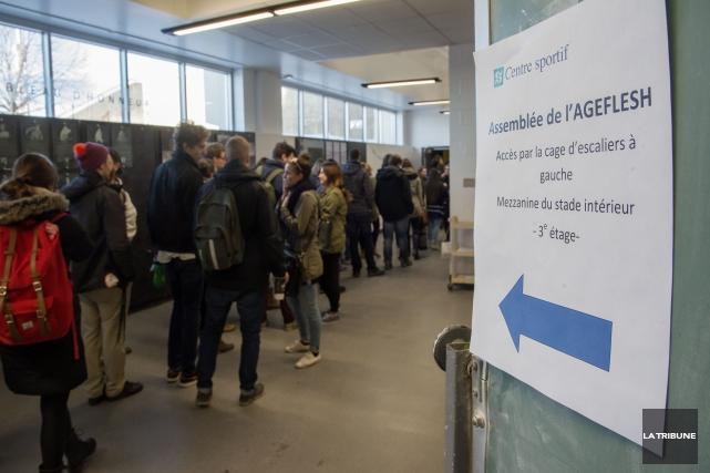 Le mouvement de grève tire à sa fin à l'Université de Sherbrooke : seulement... (Archives La Tribune, Frédéric Côté)