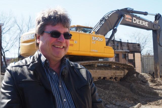 L'architecte Denis Favreau projette de construire un nouvel immeuble... (Alain Dion)