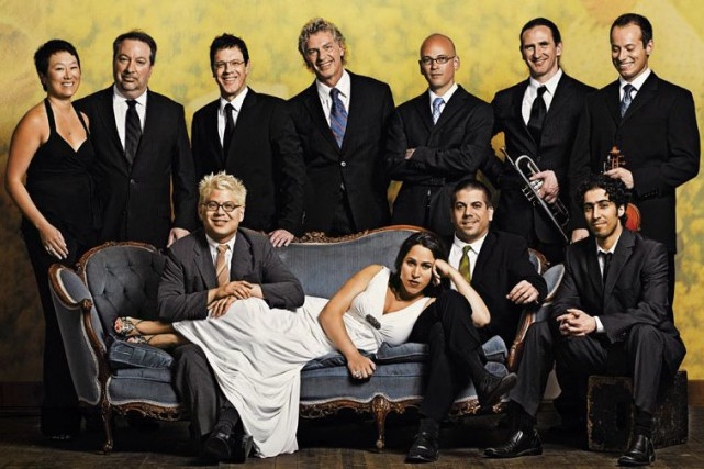 Le groupe Pink Martini sera en spectacle au Sherblues &... (Photo fournie)