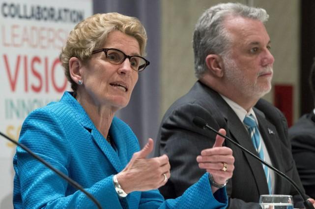 Kathleen Wynne a répondu à l'invitation de Philippe... (Jacques Boissinot, La Presse Canadienne)