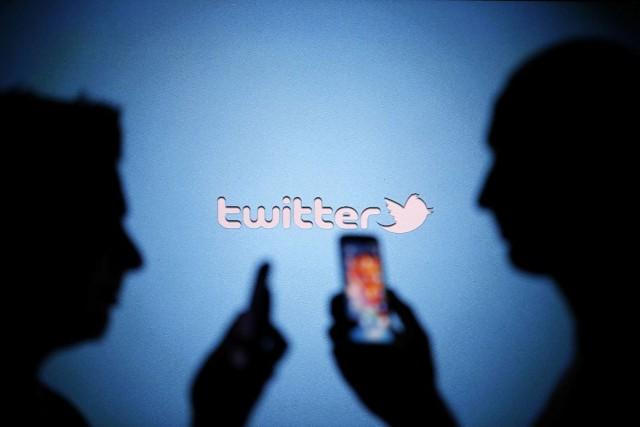 Dans le cadre de sa nouvelle politique, Twitter... (Photo Dado Ruvic, Archives Reuters)