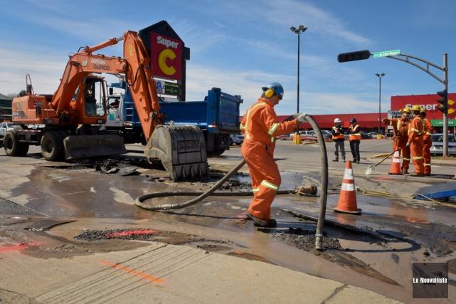 La rupture d'une conduite d'eau a forcé la... (Photo: François Gervais, Le Nouvelliste)