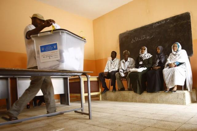 fermeture des bureaux de vote au soudan afrique. Black Bedroom Furniture Sets. Home Design Ideas