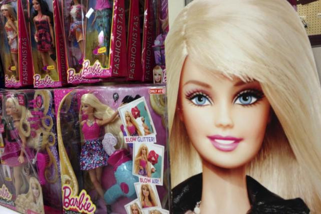 Le groupe est propriétaire des célèbres poupées Barbie... (Photo Mike Blake, Reuters)