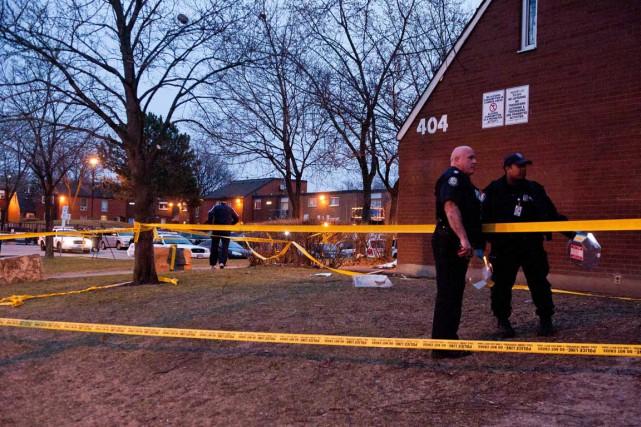 Les ambulanciers ont été appelés sur les lieux... (Photo La Presse Canadienne)