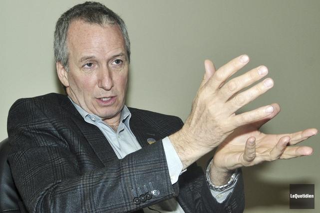 Le député de Johnson, André Lamontagne, qui responsable... ((Photo Le Quotidien-Rocket Lavoie))