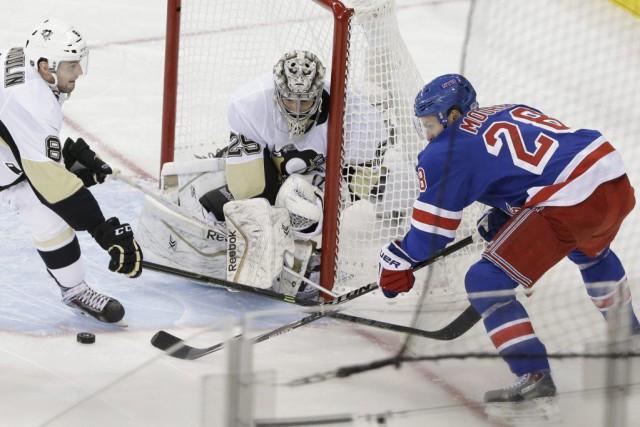 Derick Brassard et Ryan McDonough ont marqué en première période et Henrik... (Photo AP)