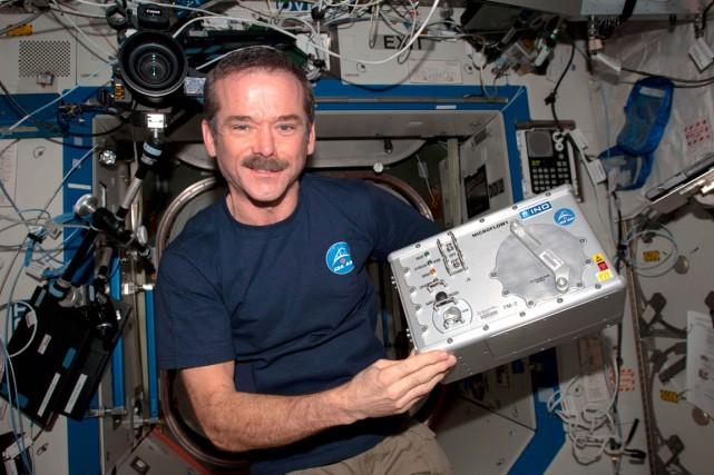 Les nouvelles technologies d'optique-photonique permettent de miniaturiser certains... (Photo ASC-CSA/NASA)