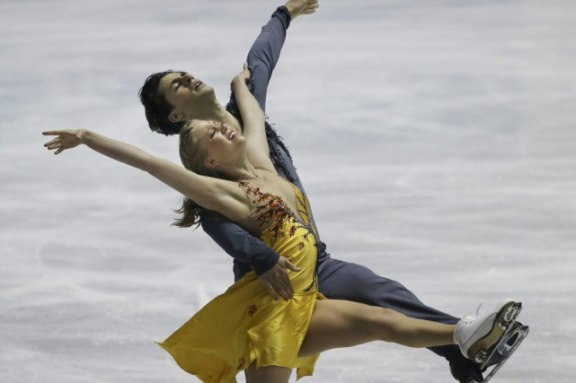 Kaitlyn Weaver and Andrew Poje... (PHOTO KOJI SASAHARA, ASSOCIATED PRESS)