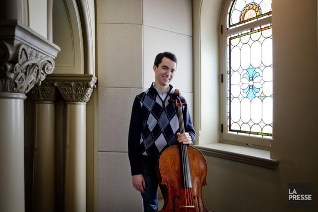 Le violoncelliste Stéphane Tétreault a été le premier... (Photo: Marco Campanozzi, La Presse)