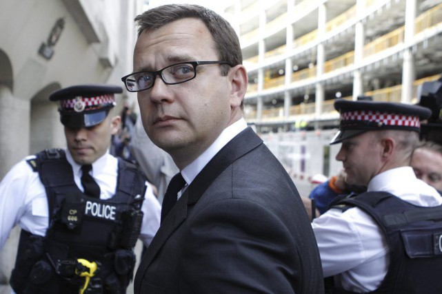Parmi les personnes dédouanées vendredi figure Andy Coulson... (PHOTO CYRIL VILLEMAIN, ARCHIVES AFP)