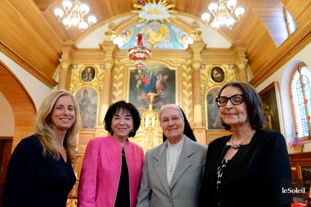 Isabelle Duchesneau, Gisèle Picard, soeur Lise Tanguay et... (Le Soleil, Erick Labbé)