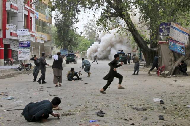 L'explosion est survenue au moment où des fonctionnaires... (Photo Reuters)