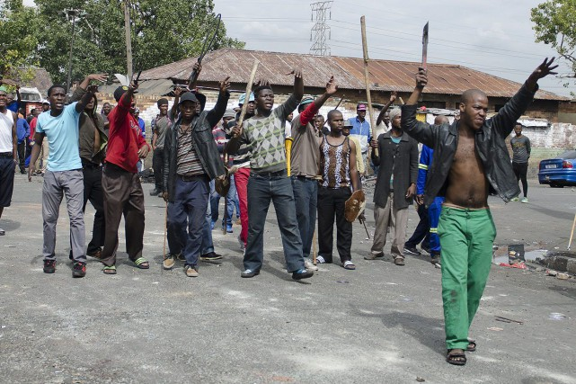 Les violences sont désormais surtout le fait «de... (Photo Shiraaz Mohamed, AP)